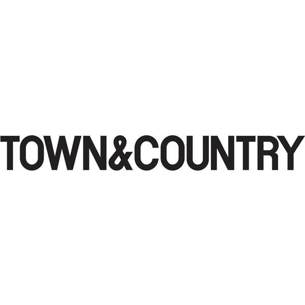 town and country logo